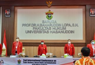 Professor of FHUI, Topo Santoso Becomes Speaker of the International Conference at Unhas